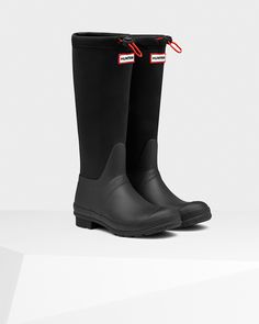 The Original Tour Neoprene boot is constructed from soft neoprene, allowing the boot to be folded for easy transportation.