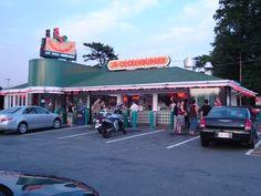 The Chickenburger Restaurant, Bedford, Nova Scotia, Canada. Restaurant Round Up: East Coast Edition | Tales of a Pilgrim