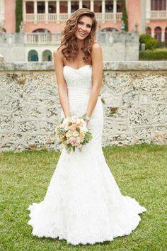 Lace Natural Waist Court Train Mermaid Strapless Wedding Dress