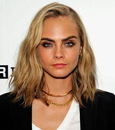 Cara Delevingne'nın Yeni Kısa Saç Modeli
