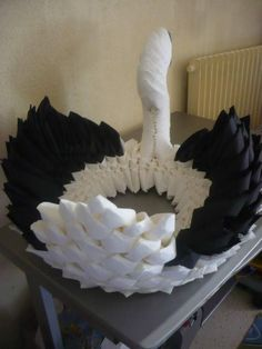 Distributeur de serviettes en forme de cygne