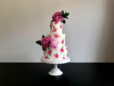 Floral hand painted wedding cake with peonies 🌸❤️ Sweet deer hand painted cakes Painted Wedding Cake, Deer Wedding, Hand Painted Cakes, Peonies, Wedding Cakes, Wedding Inspiration, Sweet, Floral, Flowers