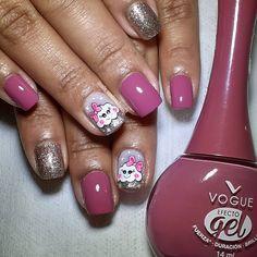 Vogue Nails, Diana, Manicure, Nail Polish, Beauty, Instagram, Finger Nails, Nails With Stripes, Nail Art