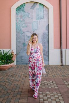 Spring Florals with Devlin - Outfit Inspiration - Casual Outfits For Moms, Mom Outfits, Simple Outfits, Office Outfits, Dress Outfits, Spring Maternity, Maternity Fashion, Maternity Photos, Spring Dresses