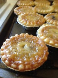 Best_butter_tarts_on_the_planet mini desserts, mini dessert tarts, mini cake recipes, pie dessert, sweet Tart Recipes, Baking Recipes, Sweet Recipes, Cookie Recipes, Mini Pie Recipes, Quiche Recipes, Spinach Recipes, Rib Recipes, Fudge Recipes