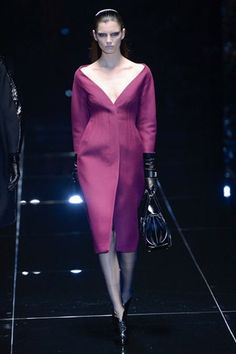 Gucci Fall 2013  (Not sure why they always look like they're ready to kill, these models, but nice dress!)