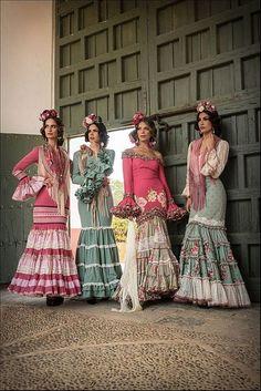 Flamenco Costume, Flamenco Dancers, Fashion Photo, Boho Fashion, Classy Gowns, Spanish Dress, Flamingo Dress, Embroidery On Clothes, Spanish Fashion