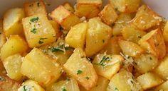 Ingredientes     2 xícaras de batatas picadas (500 g)   2 colheres (sopa) de óleo (30 ml)   1...