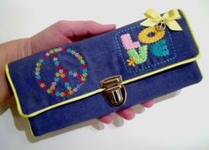 Embroidery Design: http://www.smilasworld.com/Love-n-Peace-3D-in-the-hoop/en