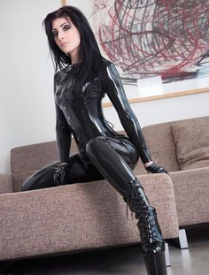 Latex ,feet and hot babes! Latex Suit, Sexy Latex, Latex Wear, Fetish Fashion, Latex Fashion, Legging Sport, Fit Girl, Lingerie For Sale, Latex Girls