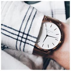 Chic and elegant, our Mercer watch. > https://www.rosefieldwatches.com/nl/horloges.html