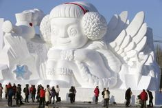 Photos Of Huge Snow Sculptures In China The Harbin International Snow Sculpture Art Expo is in full swing in China. Known as the largest festival of its kind the world, it's always pretty spectacular.The ice festival lasts through January and February. Harbin, Frozen Castle, Frozen Art, Snoopy House, Ice Art, Snow Sculptures, Snow Art, Winter Festival, Snow And Ice