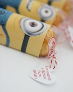 YOU'RE ONE IN A MINION VALENTINE {With free printable.  Yes, I could make them cuter, but this is easier.  So there.}