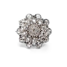 Oscar De La Renta Crystal-encrusted ring ($295) ❤ liked on Polyvore featuring jewelry, rings, crystal, polish jewelry, swarovski crystal jewelry, special occasion jewelry, swarovski crystal rings and floral ring