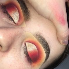 """1,079 Likes, 5 Comments - SUMMER PACKER MAKEUP (@lordchyna) on Instagram: """"Mid blend ❤️ Product details in last post ✨…"""""""