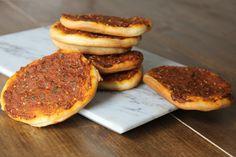 Biberli Ekmek, Antakya'nın meşhur bir yemeğidir. Biber, salça, soğan ve baharatlarla yapılan iç harçla lezzetlendirilir.