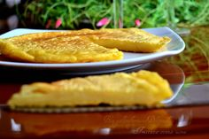 Frittata con farina di ceci senza uova, facile e veloce 2 minuti di lavoro per ottenere una pastella liscia e profumata. Secondo piatto diverso dal solito..