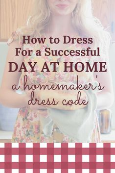 Learn my favorite tips for feeling beautiful and confident as a homemaker, increasing productivity, while keeping things practical. 1950s Housewife, Vintage Housewife, Christian Homemaking, Old Fashioned Recipes, Back Road, Homekeeping, House Dress, Simple Living, How To Feel Beautiful