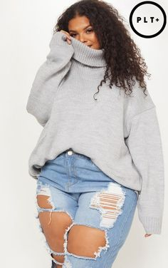 Plus Grey High Neck Fluffy Knit Jumper Keep it cosy this AW in this fluffy knit. This jumper features a grey fluffy knit material, a high neckline and an oversized fit, style it with some distressed denim jeans and some statemen Fat Girl Fashion, Black Girl Fashion, Curvy Women Fashion, Plus Size Fashion, Fashion Outfits, Curvy Girl Outfits, Cute Casual Outfits, Retro Outfits, Plus Size Outfits
