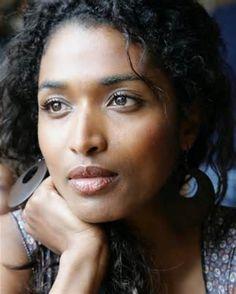 Actress Sara Martins -Death in Paradise