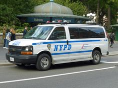 Police Truck, Police Cars, New York Police, Emergency Vehicles, Military Vehicles, Chevrolet, My Photos, Tube, Van