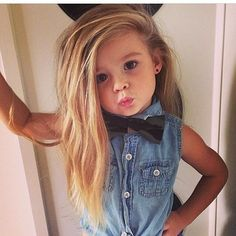 Shared by Betina. Find images and videos about girl, fashion and cute on We Heart It - the app to get lost in what you love. Baby Kind, My Baby Girl, Beautiful Children, Beautiful Babies, Little Girl Fashion, Kids Fashion, Toddler Fashion, Style Fashion, Cute Kids