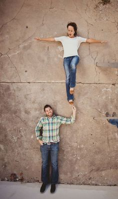 Awesome 50+ Creative Engagement Photo Ideas https://weddmagz.com/50-creative-engagement-photo-ideas/