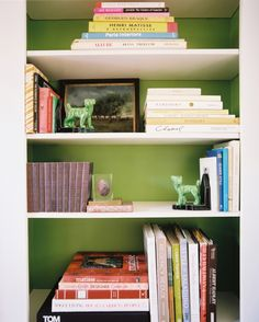 so many books, so little time - love love love lots of books and pretty bookshelves
