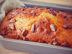 עוגת שוקולד צ'יפס בחושה. מתכון להכנת עוגת שוקולד צ'יפס בחושה - מתכון קל וטעים שידהים את האורחים ובני המשפחה בליווי תמונות מהממות.