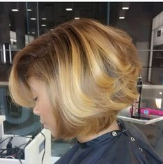 5 Tips from a Stylist To Maintain Healthy Color Treated Hair this Winter ---- I Really Wanna Color My Hair This Color! On The Search To Find Professional Stylist Now! Makeup Carnaval, Curly Hair Styles, Natural Hair Styles, Look 2015, Hair Laid, Hair Affair, Looks Style, Bob Hairstyles, Haircuts