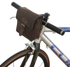 Die nächste Fahrradtour kann kommen! Die kleine Tasche 'Greg L.' für Dein Fahrrad begleitet Dich überall hin. Gusti Leder - 2G21-22-6