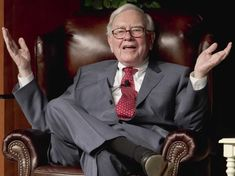 The Berkshire Hathaway meeting will bring tens of thousands of investors to downtown Omaha, Nebraska to hear Warren Buffett talk investing and much more. Warren Buffett, Wealthy People, Rich People, Successful People, Investment Quotes, Richest In The World, Stock Options, Investing In Stocks, Stock Investing