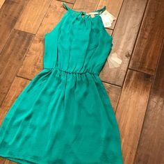 Gorgeous Teal Dress 👗 Teal Dress size XS from Forever 21. Brand new w/Tags. Forever 21 Dresses