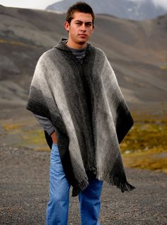 Alpaca Mall Black and Gray Soft Poncho Alpaca - Saltillo - Top quality alpaca clothing for men and women direct from the artisans and manufacturers. Poncho Pattern Sewing, Cape Pattern, Crochet Poncho Patterns, Crochet Shawl, Crochet Pattern, Alpaca Poncho, Knitted Poncho, Alpaca Wool, Knitting For Dummies