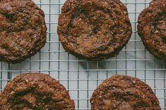 flourless hazelnut butter cookies | london bakes #food