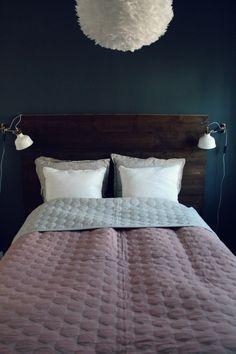 Bedroom, DIY headboard, headboard of wood, fjerlampe, georg jensen sengetøj, soveværelse, inspiration, sengegavl, DIY, hjemmelavet sengegavl...