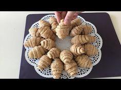Bildiğiniz tatlıların aksine yapılışı ile dünür yumruğu tatlısı vazgeçilmez bir tatlı tarifi. Yapılışı sanki börek yapar gibi olan ve içine istediğiniz malzemeyi yani fındık, cevizi yada fıstığı ekleyerek yapabileceğiniz bir tarif. Çıtır çıtır ve ağızda dağılan kıvamı ile bu tarif oldukça farklı. Farklı ama lezzetli Cinnamon Roll Cookies, Cinnamon Rolls, Turkish Delight, Turkish Recipes, Cereal, Biscotti, Breakfast, Food, Youtube