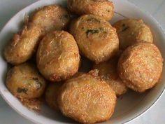 Resep Perkedel Kentang - Berikut ini ada panduan rahasia cara membuat resep perkedel kentang kornet ala kfc yang sangat gurih lho!