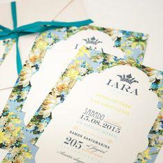 Hermosas Tarjetas de 15 años flores en tonos azules