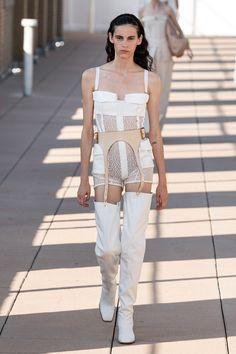 Dion Lee Spring 2020 Ready-to-Wear Collection - Vogue Women's Runway Fashion, Star Fashion, High Fashion, Fashion Show, Fashion Outfits, Fashion Design, Dion Lee, Vogue Paris, Copenhagen Fashion Week
