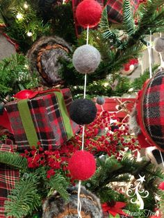 Puffy Ball Garland Size: 6 Feet in length Color: Red, Grey, Black