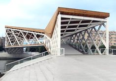 Beautiful Chinese Pedestrian Bridge : TreeHugger