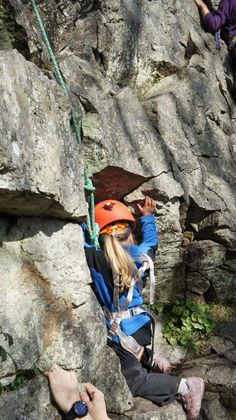 "Olivia's First Climb Outdoors at 3 Years Old on ""Living On A Knifes Edge""  © bazthomas, Mar 2012"