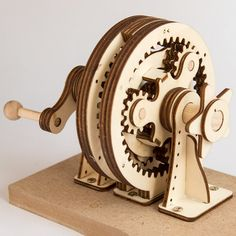 Laser Cut Two Stage Planetary Gear Laser Cutter Ideas, Laser Cutter Projects, Cnc Projects, Engineering Projects, Wooden Gears, Wooden Clock, 3d Laser, Laser Cut Wood, Laser Art