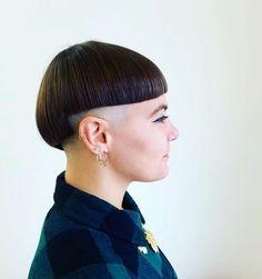 Sideburns, Bald Women, Hair Models, Shaving, Mushroom, How To Look Better, Hair Cuts, Fashion, Fungi