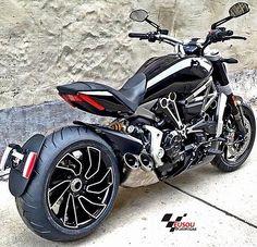 Eita nave bruta ______________________________________________ #bikelife #Instamotogalery #bikervideos #moto #motor #bike #repost #photooftheday #yamaha #motorcycle #motocross #motorbike #honda #ktm #bmw #car #sportbiker #like4like #gopro #seguidores #kawasaki #ducati #cbr #followme #suzuki #goprocar #eusouduasrodas by eusouduasrodas