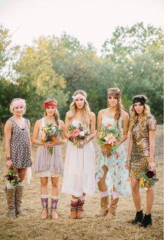 Love this bridesmaids' look!! Bridesmaids Bohemian Wedding Lace Headband Floral by ThreeBirdNest