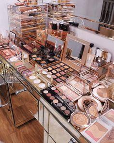 Makeup Beauty Room, Beauty Room Decor, Makeup Room Decor, Makeup Rooms, Makeup Kit, Skin Makeup, Blue Makeup, Makeup Ideas, Makeup Storage Organization