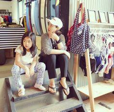 Haru And Kang Hye Jung Are The Coolest 'Mother & Daughter' Tandem Kang Hye Jung, Lee Haru, Superman Cast, Korean Entertainment, Cute Asian Girls, Tandem, Growing Up, Daughter, Kpop