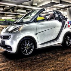 #smart #BoConcept #edition - Instragram picture by @marcmcmurray #microcar #fortwo #Honolulu